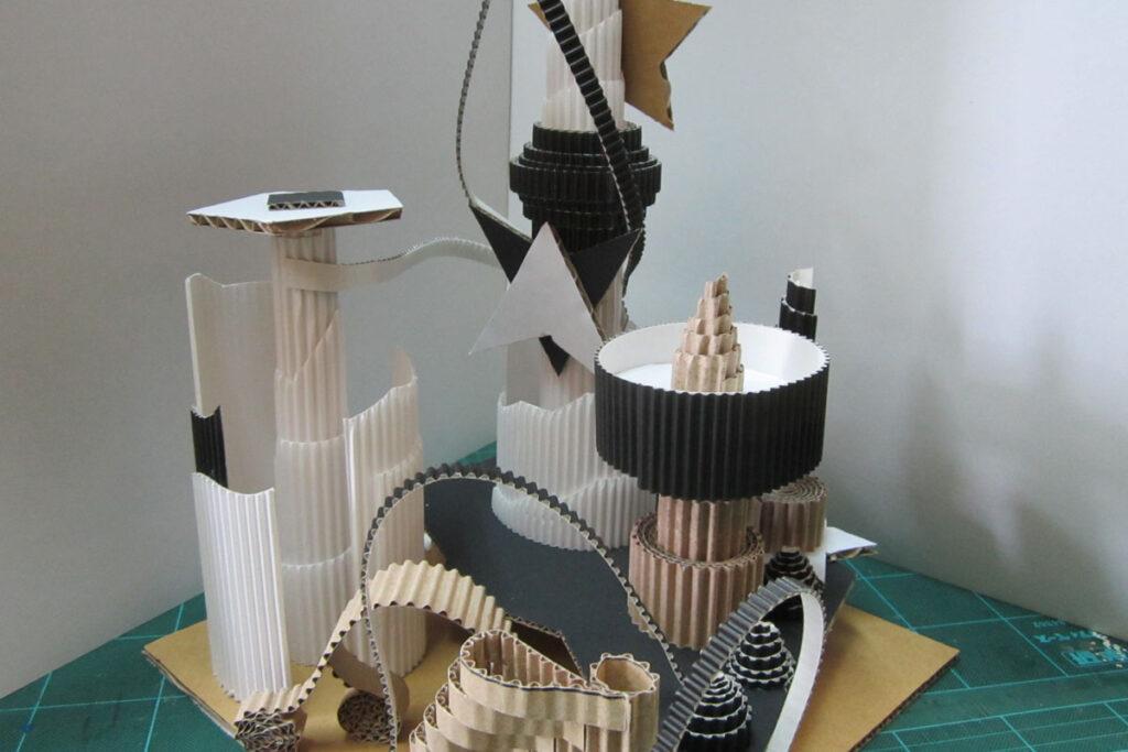 ダンボールタワー
