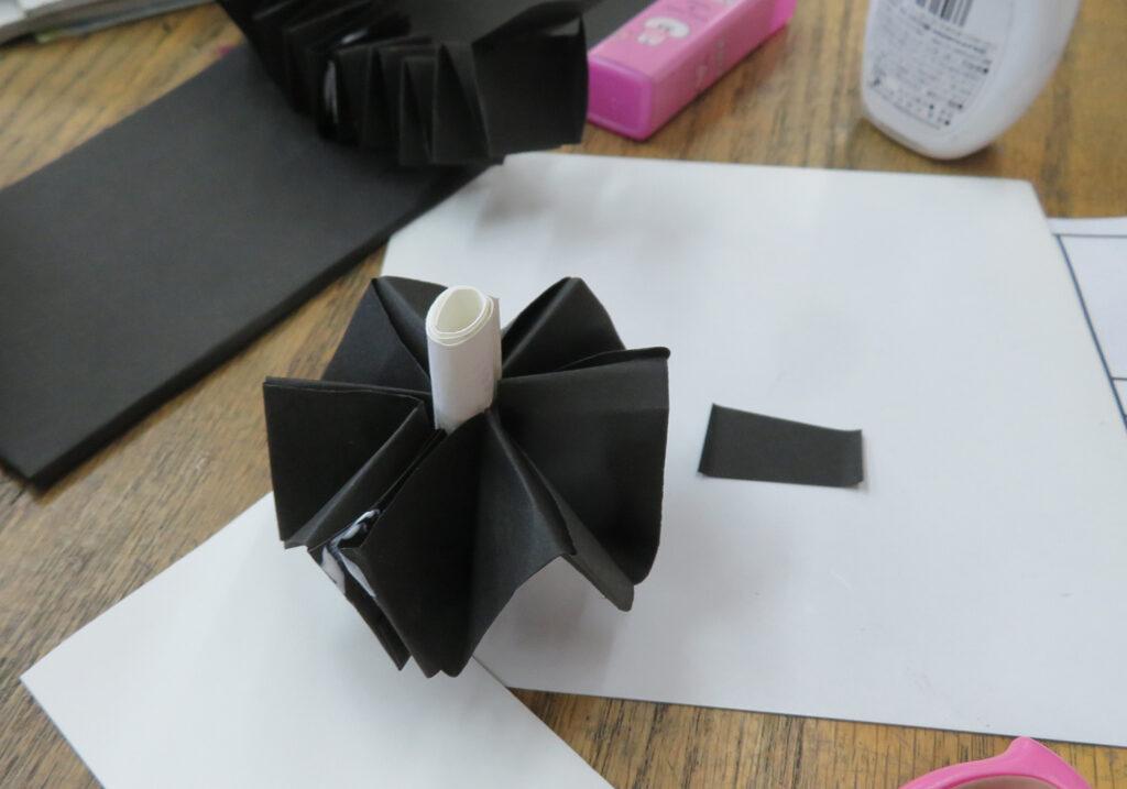 高学年モノクロの紙工作
