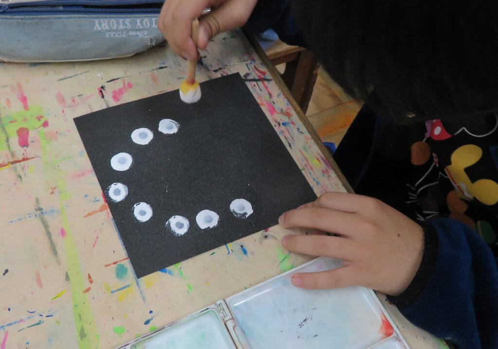 無彩色の絵画表現モノクローム